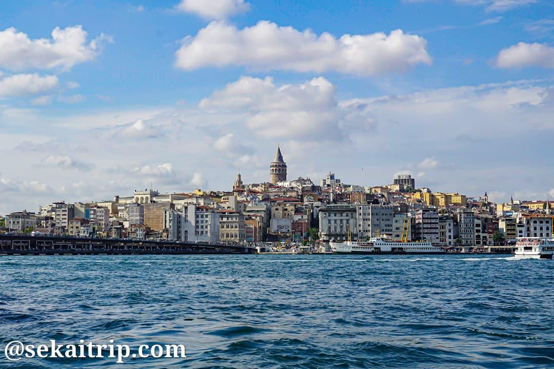 イスタンブールの新市街側の景色(ガラタ橋付近)