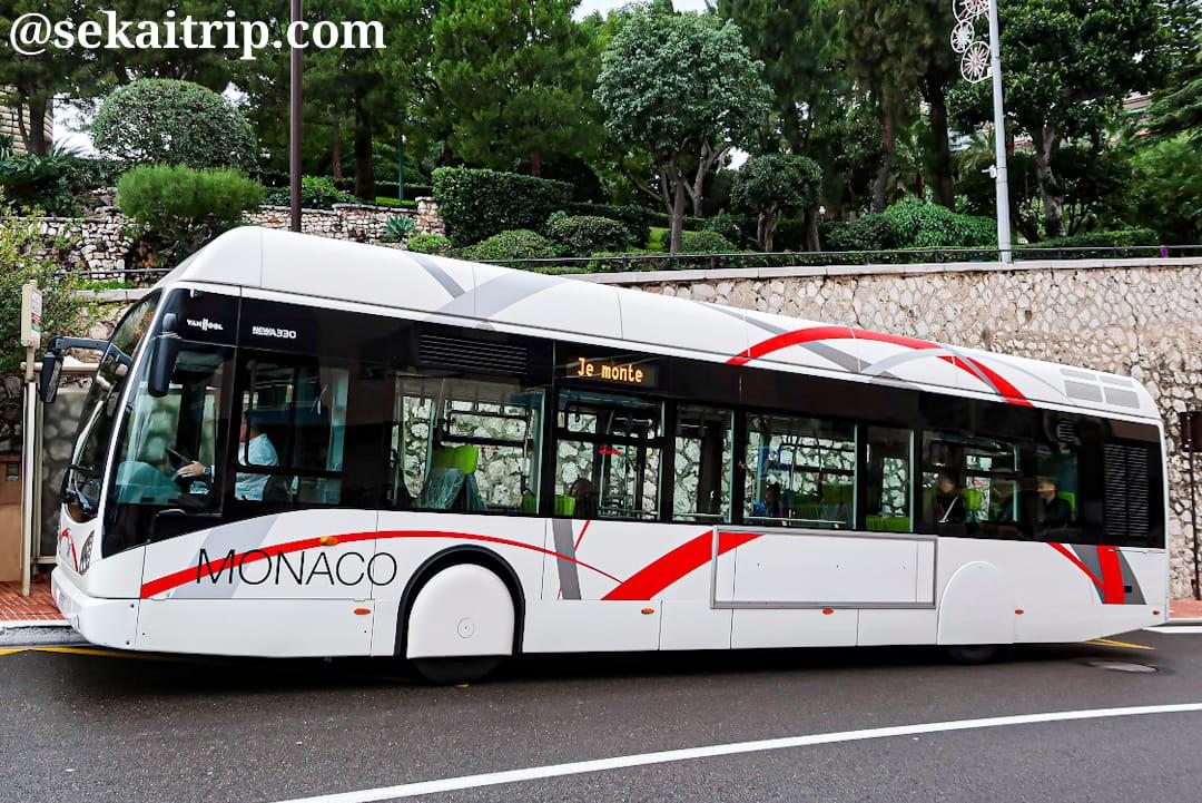 モナコのバス