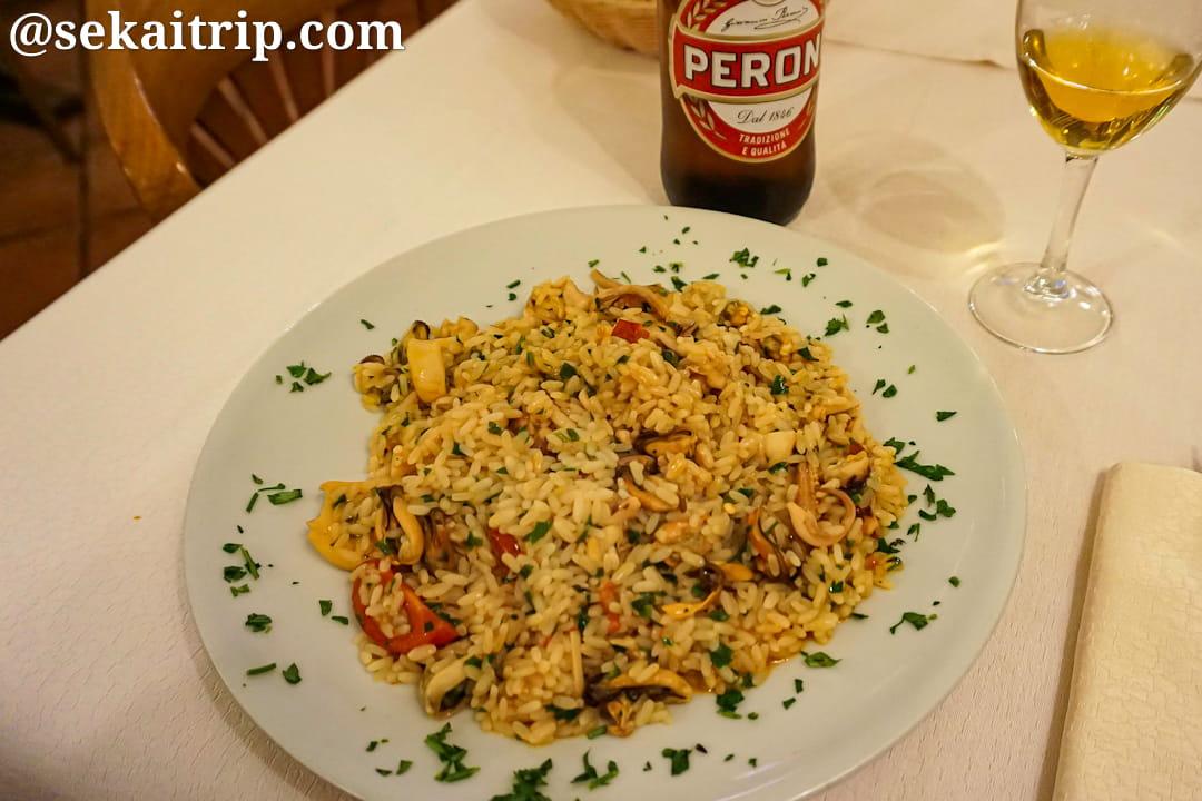 ローマのレストランのペスカトーレ