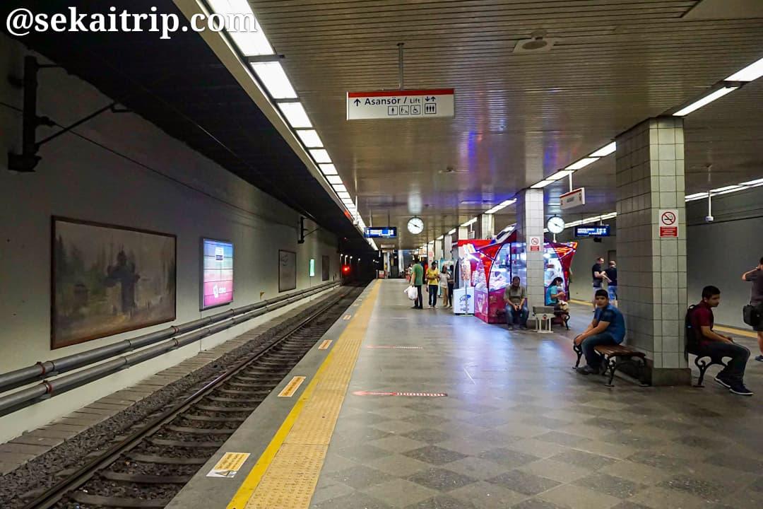 イスタンブールのAksaray駅