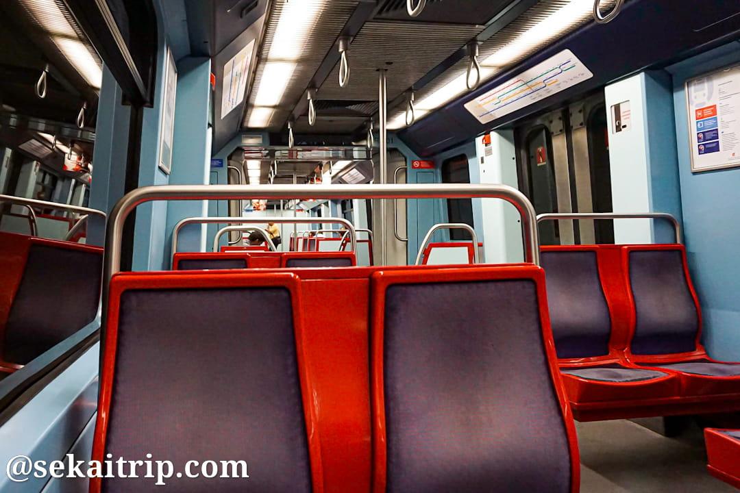 ポルトガル・リスボンの地下鉄車内