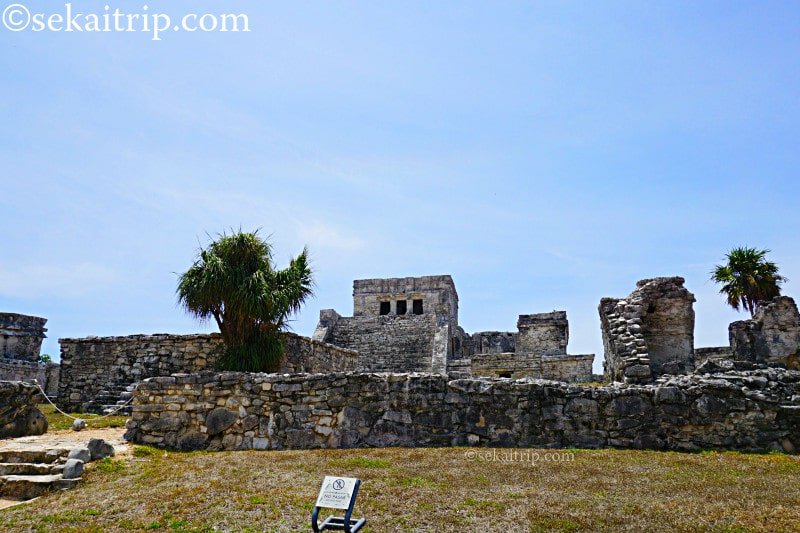 トゥルム遺跡(Tulum)のエル・カスティージョとフレスコ神殿