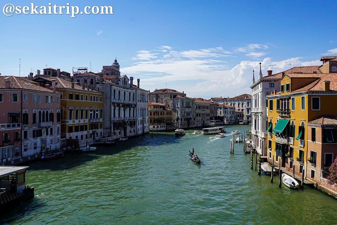 ベネチアのアカデミア橋付近