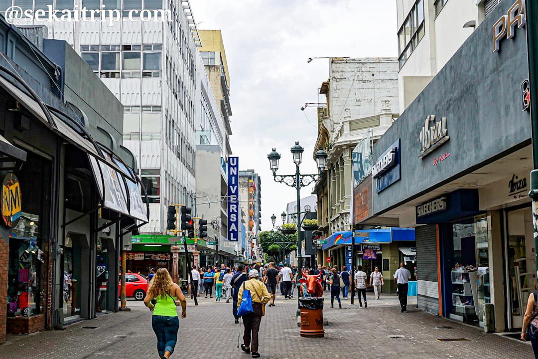 コスタリカ・サンホセのセントラル通り(UNIVERSAL付近)