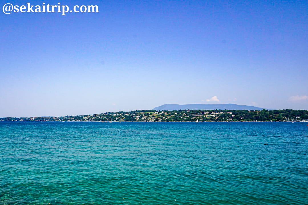 ジュネーブのパキ桟橋付近から撮影したレマン湖