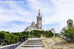 マルセイユのノートルダム・ドゥ・ラ・ガルド寺院(Basilique Notre-Dame de la Garde)