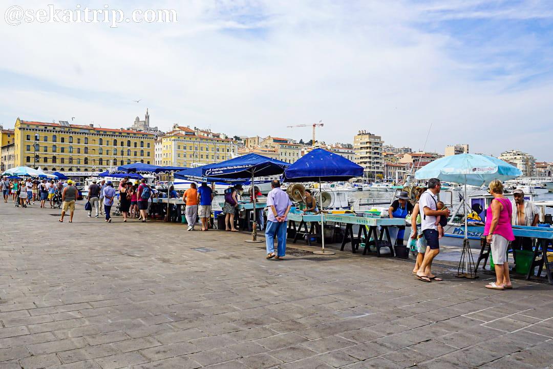 マルセイユの旧港(Vieux Port)の魚市場