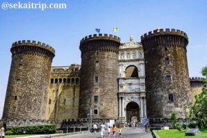 ナポリのヌオーヴォ城(Castel Nuovo)