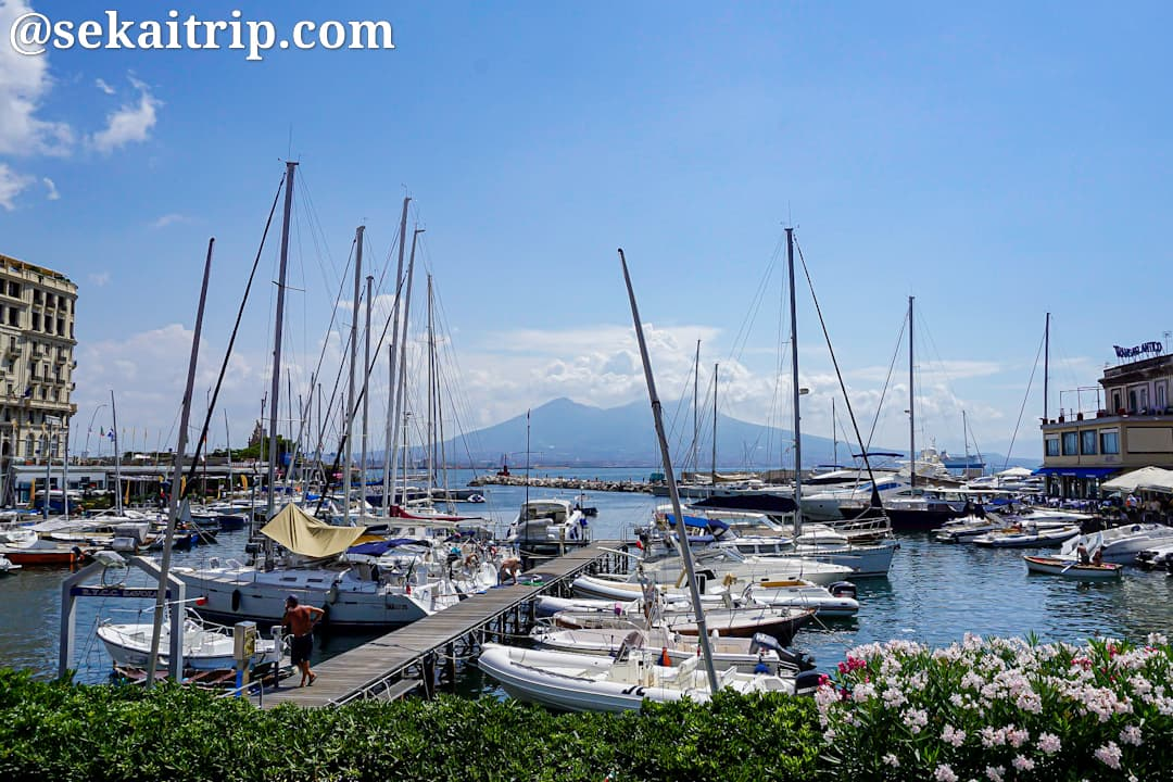 ナポリのサンタ・ルチア港