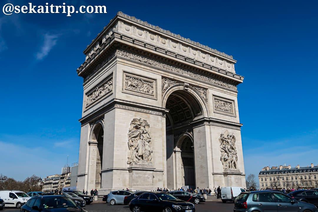 シャンゼリゼ通りの凱旋門(Arc de triomphe de l'Étoile)