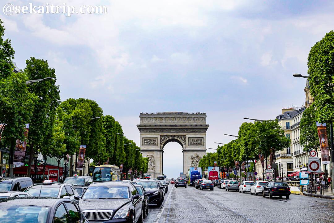 パリの凱旋門(Arc de triomphe de l'Étoile)