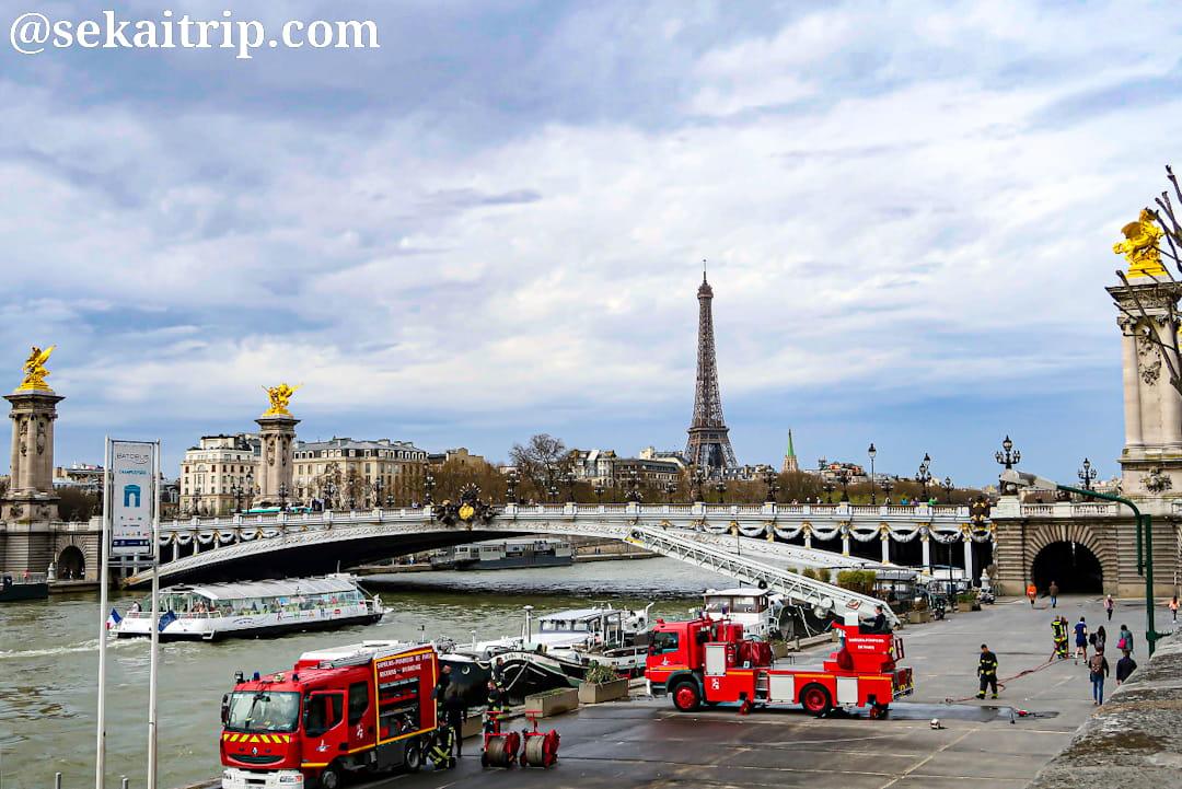 パリのアレクサンドル3世橋(Pont Alexandre III)