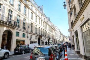 パリの高級ブランド店街サントノーレ通り(Rue Saint Honoré)