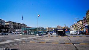ナポリ中央駅(Stazione di Napoli Centrale)の駅前
