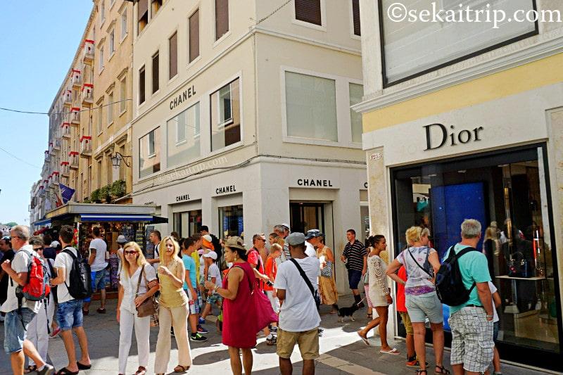 ベネチアにあるシャネルとディオールの店舗