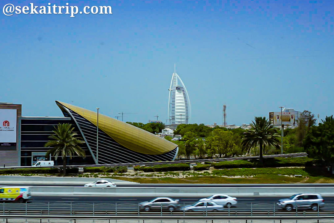 ドバイのブルジュ・アル・アラブ(Burj Al Arab)