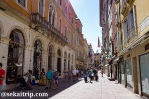 イタリア・ベネチアの3月22日通り(Calle Larga XXII Marzo)