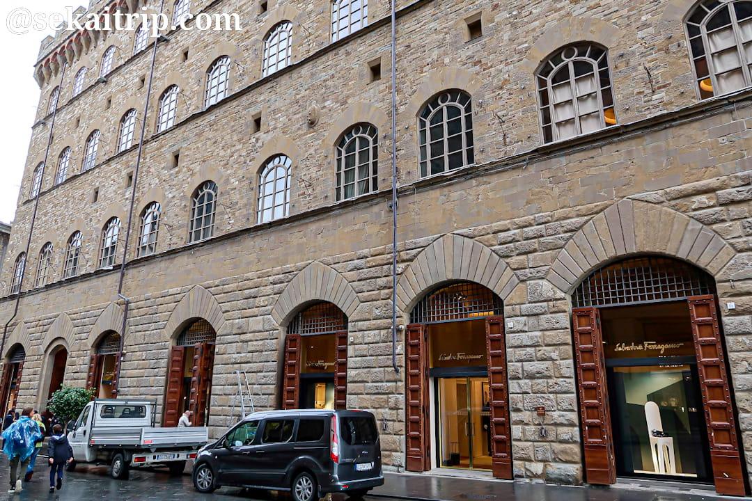 フィレンツェのサルバトーレ・フェラガモ本店