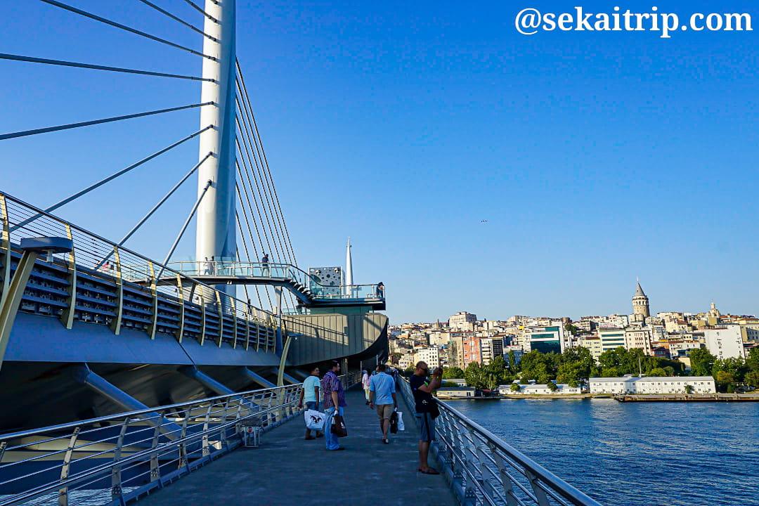 金閣湾メトロ橋(Haliç Metro Köprüsü)