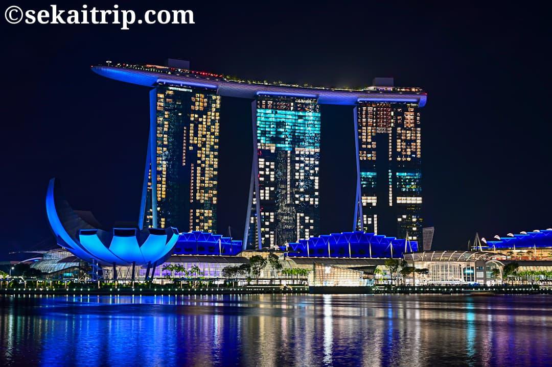 シンガポール・マーライオン側から見たマリーナ・ベイの夜景