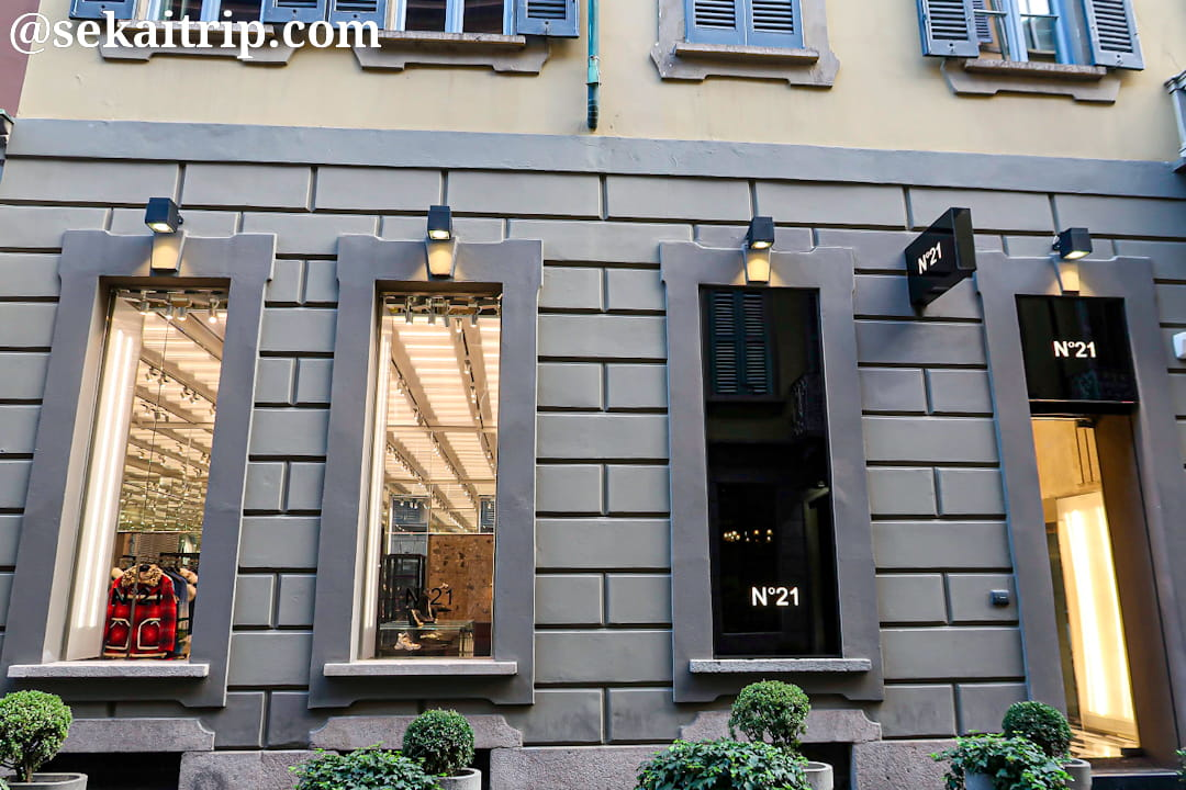 N°21(ヌメロ・ヴェントゥーノ)のミラノ旗艦店