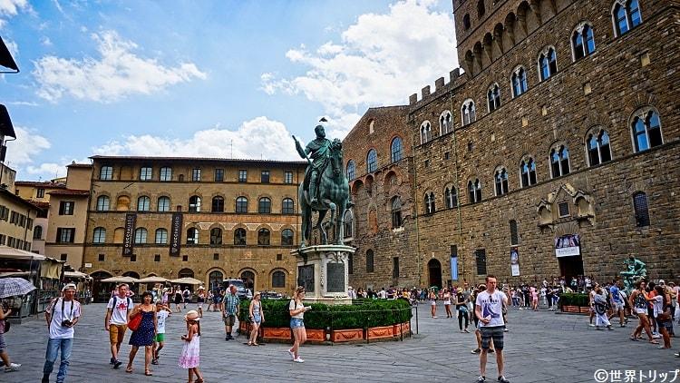イタリア・フィレンツェのシニョリーア広場(Piazza della Signoria)※グッチミュージアム