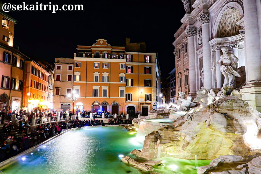 夜のトレビの泉(Fontana di Trevi)