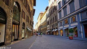 イタリア・フィレンツェのエミリオ・プッチ(EMILIO PUCCI)本店周辺