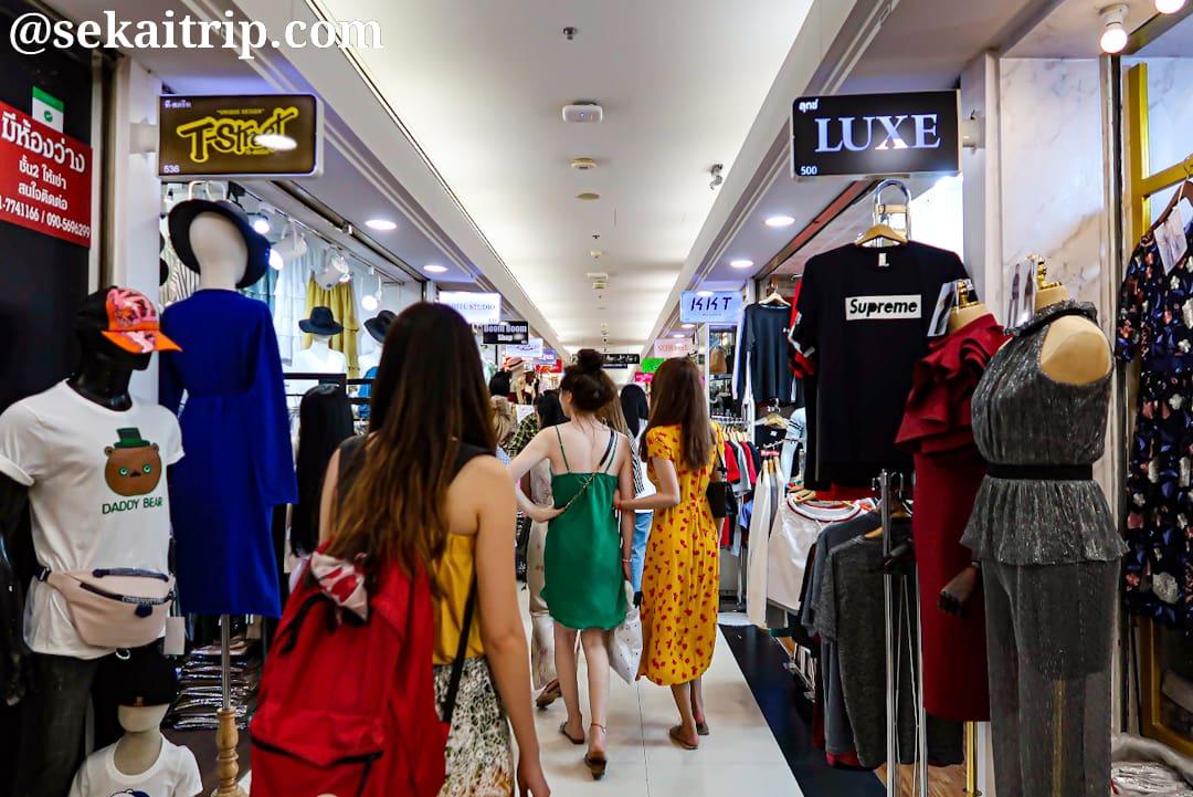 プラチナム・ファッションモール(Platinum Fashion Mall)の内部
