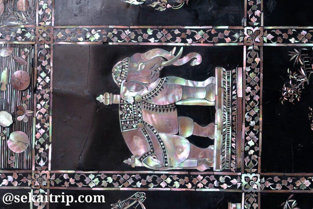 ワット・ポーの仏像の装飾