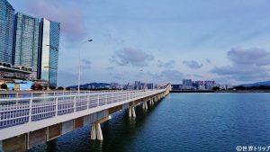 マカオの嘉楽庇総督大橋(Governador Nobre de Carvalho Bridge)