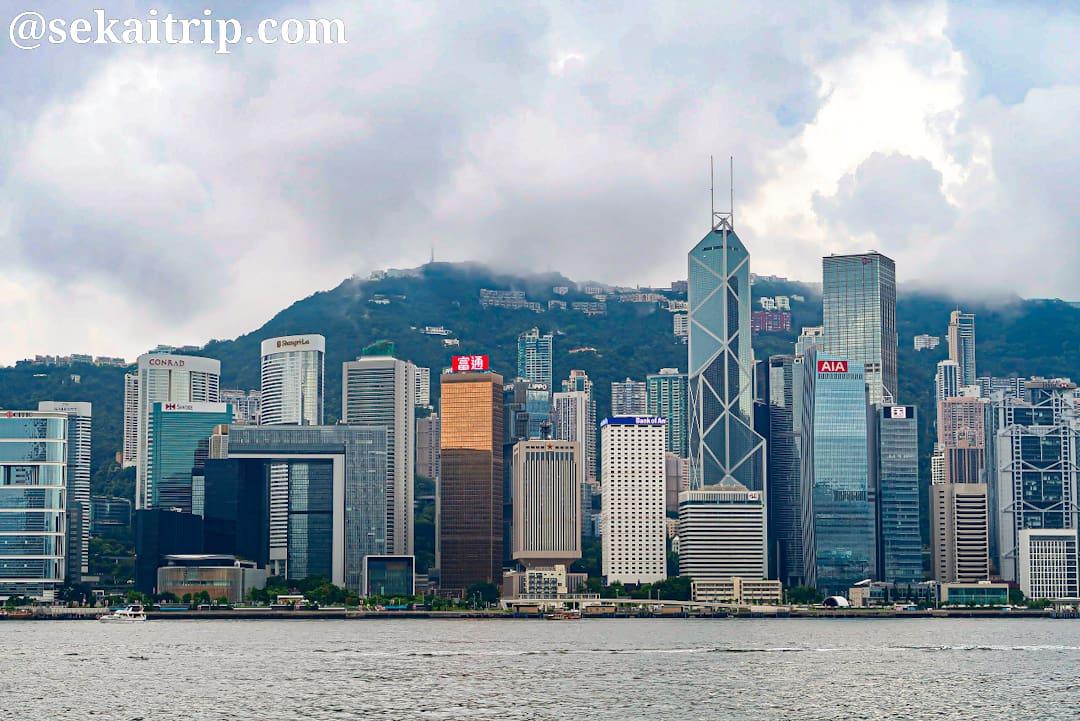 カオルーン・パブリック・ピア(Kowloon Public Pier)から撮影した香港の夜景(灣仔方向)