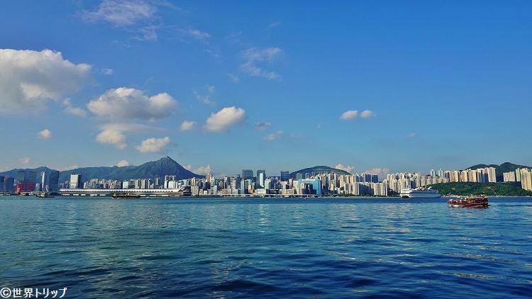 香港のクオリー・ベイ・プロムナード(Quarry Bay Promenade)から見た景色