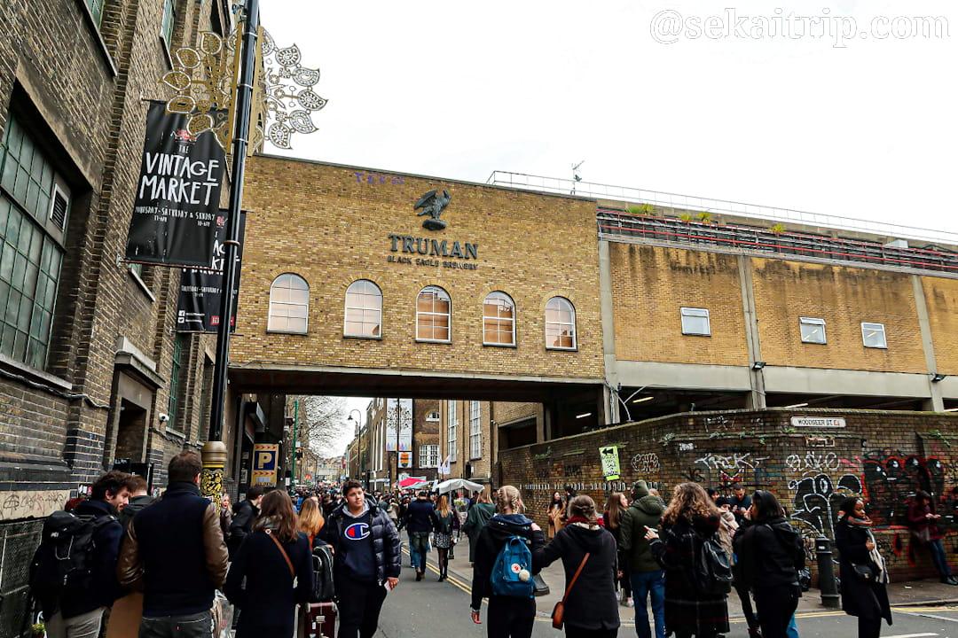 イギリス・ロンドンのブリック・レーン・マーケット(Brick Lane Market)
