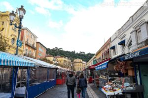 ニースのサレヤ広場(Cours Saleya)