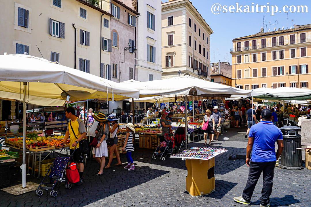 ローマのメルカート・カンポ・ディ・フィオーリ(Mercato Campo de' Fiori)