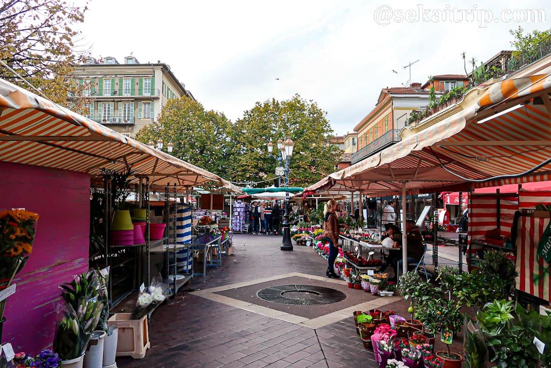 サレヤ花市場(Marché aux Fleurs Cours Saleya)