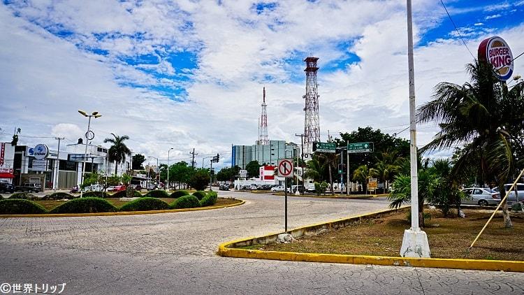ダウンタウンのバーガーキング周辺(Avenida Yaxchilán)