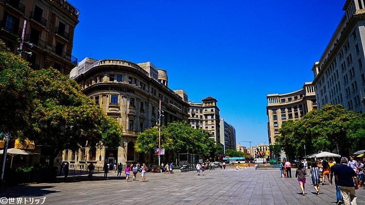 カテドラル前の広場