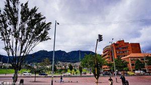 メトロポリタノ・テルセル・ミレニオ公園付近