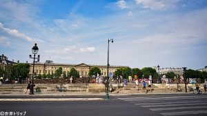 ポン・デ・ザール(Pont des Arts)付近