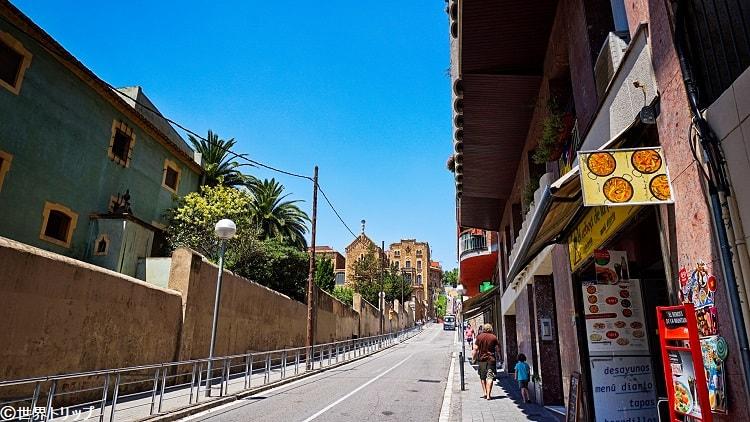 サントゥアリ・デ・サン・ジュゼブ・デ・ラ・ムンタニャ通り