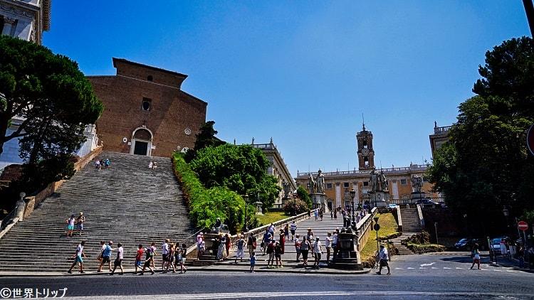 アラコエリのサンタ・マリア聖堂とカピトリーノ美術館