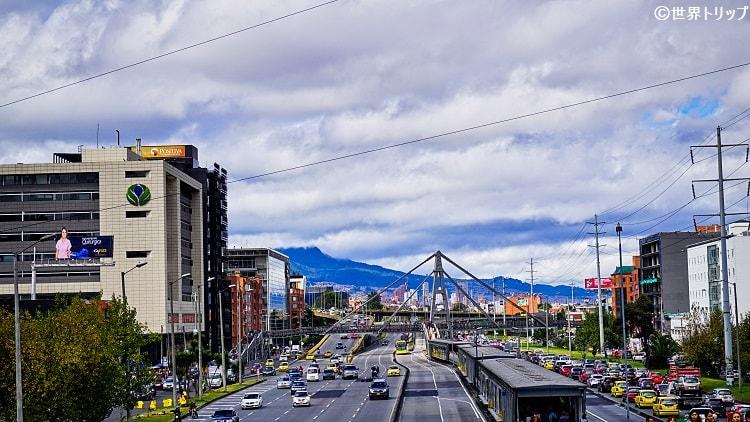 新市街側の昼間の道路