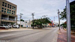 ダウンタウンのコバ通り(Avenida Coba)