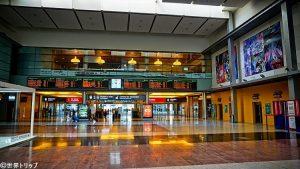 マラガ・マリア・サンブラーノ駅の構内