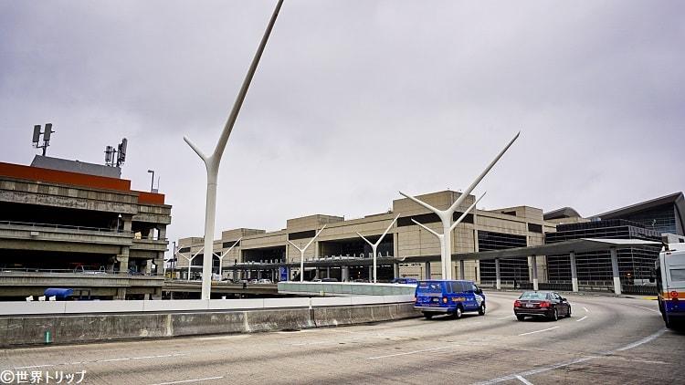 ロサンゼルス国際空港(LAX)