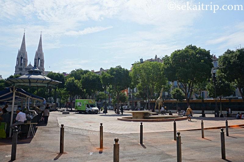 レオン・ブリュム広場
