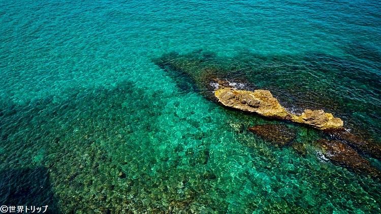 エメラルドグリーンに輝くマルセイユの海