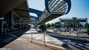 ニース・コート・ダジュール空港の玄関